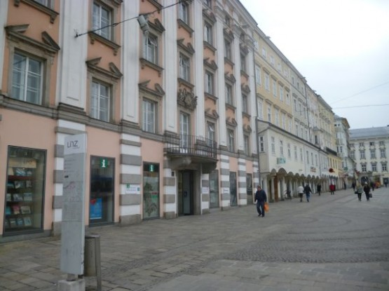 Hauptplatz 2