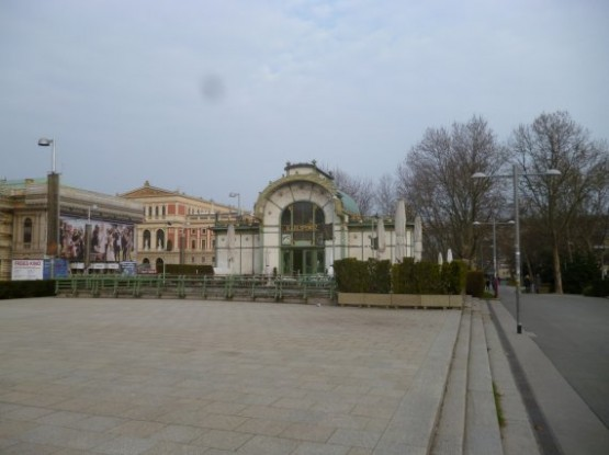 Karlsplatz Otto Wagner Pavillon