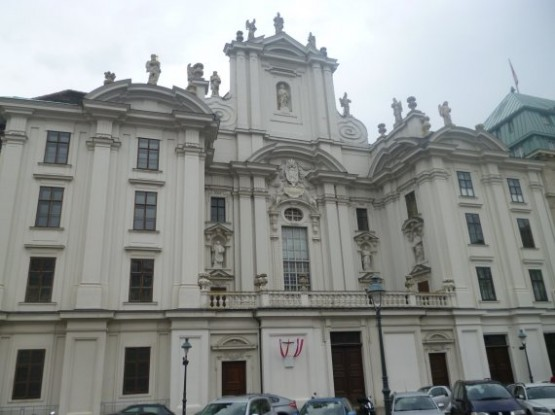 Kirche am Hof 1