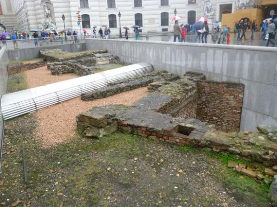 Michaelerplatz - Roman Ruines