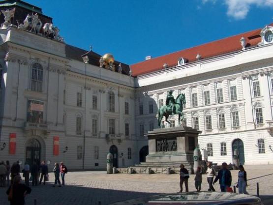 Alte Burg - Osterreichische Nationalbibliothek