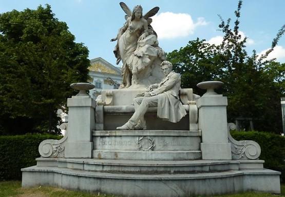 Ferdinand Raimund Denkmal