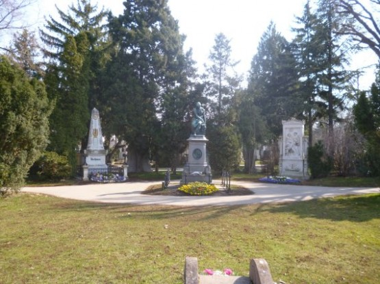 Wiener Zentralfriedhof - Group 32a