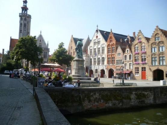 Jan Van Eyckplein 1