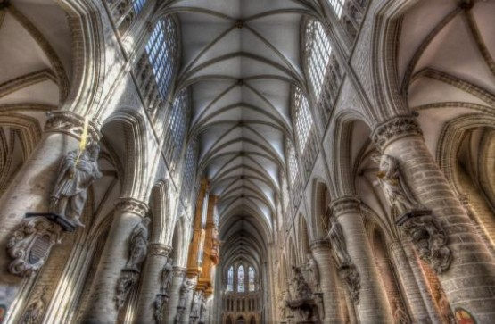 Cathedrale Saints-Michel-et-Gudule Interior
