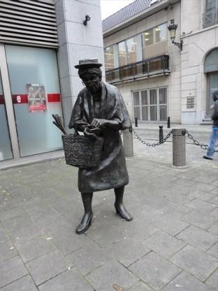 Madame Chapeau 1