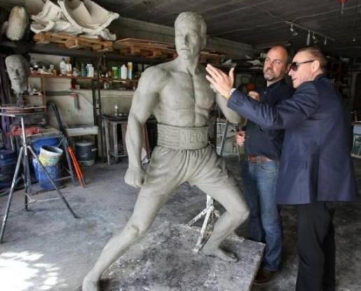 Jean Claud Van Damme Statue - Sculptor & Van Damme