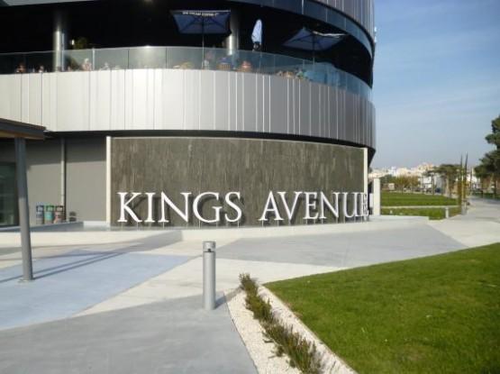 Kings Avenue Moll 2 (2)
