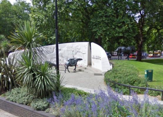 Памятник Животным Погибшим На Войне