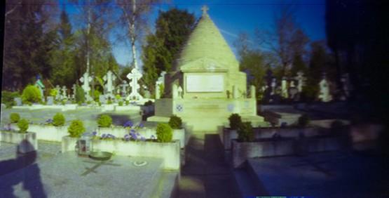 Кладбище в Сент-Женевьев-Де-Буа