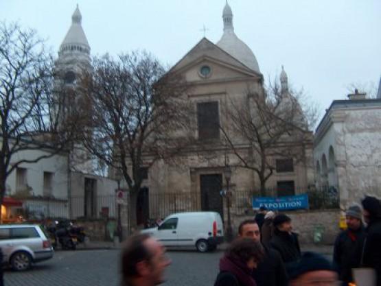 церковь Сан Пьер Де Монмартр