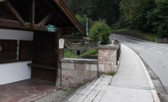 Tor Haus Schiesstattbrucke 1