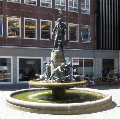 Martinsbrunnen 38
