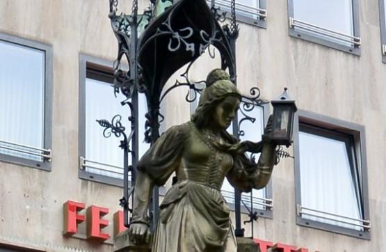 Heinzelmaennchenbrunnen 1
