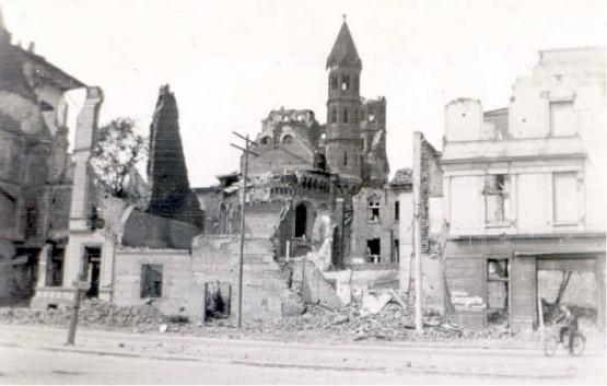 Basilika St Aposteln 1945