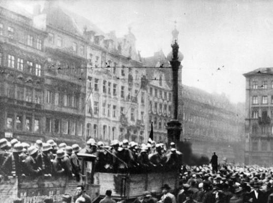 Marienplatz - Beer Hall Putsch 1923
