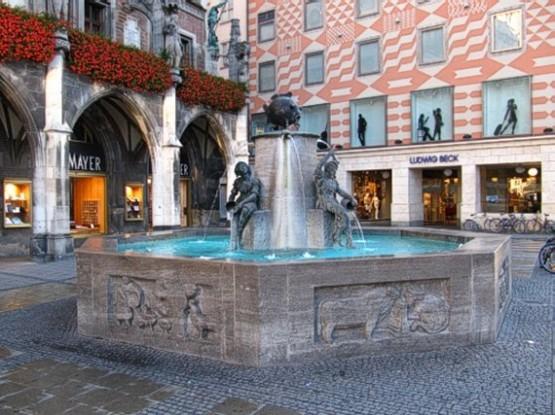 Marienplatz - Fischbrunnen 1
