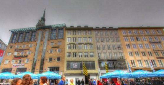 Marienplatz - Hugendube - Wormland