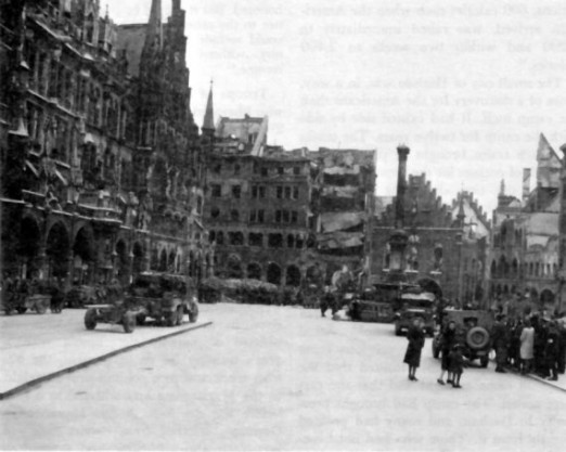 Marienplatz 1945