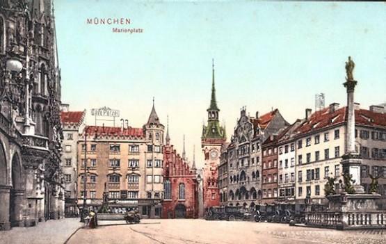 Marienplatz mit Cafe Perzel