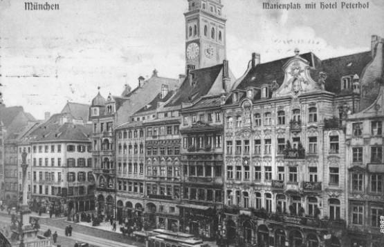 Marienplatz mit Hotel Peterhof
