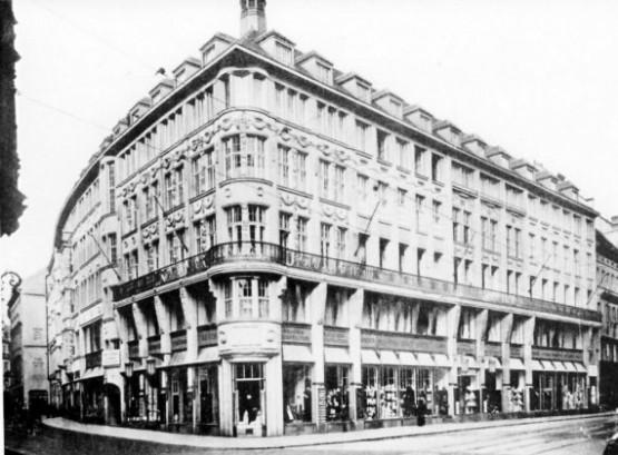Marienplatz mit Roman-Mayr-Haus