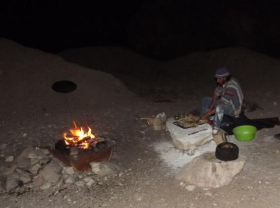 camel ranch - coocking in desert camp