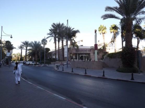 le boulevard shopping center
