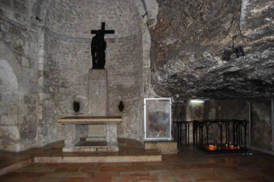 Church Of The Holy Sepulchre - Chapel Of The Invention Of The Holy Cross