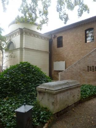 Tomba Di Dante (Quadrarco Di Braccioforte 17)