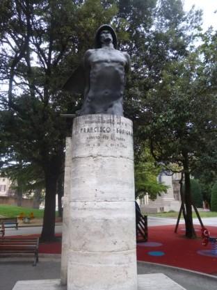 Monumento in onore di Francisco Busignani