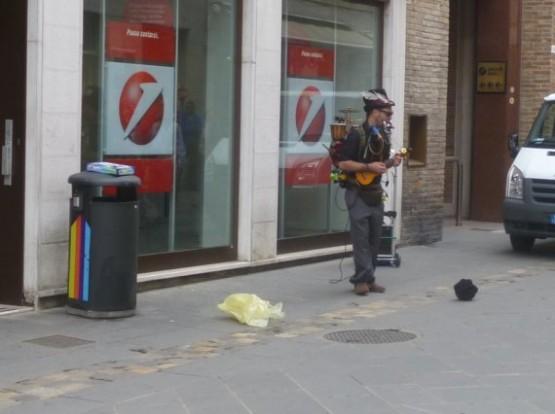 Street Performer - 167 Corso dAugusto
