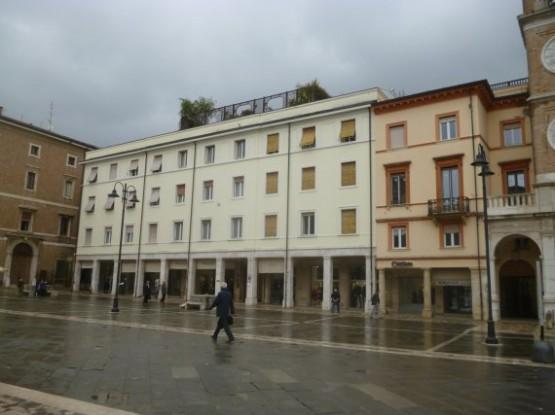 Piazza Tre Martiri (19)