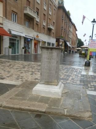 Piazza Tre Martiri - Caesar Stone