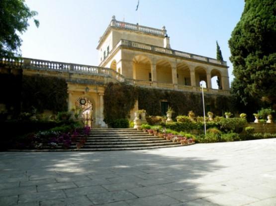 Дворец и Сады Святого Антона