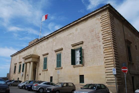 Дворец Оберж-де-Арагон