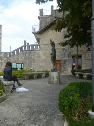 Monumento alle vittime del bombardamento (1)