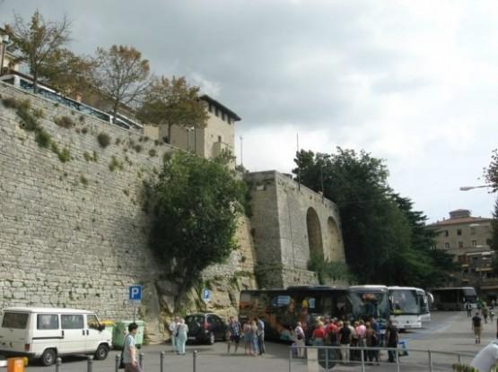 Piazzale Marino Calcigini - bus stop
