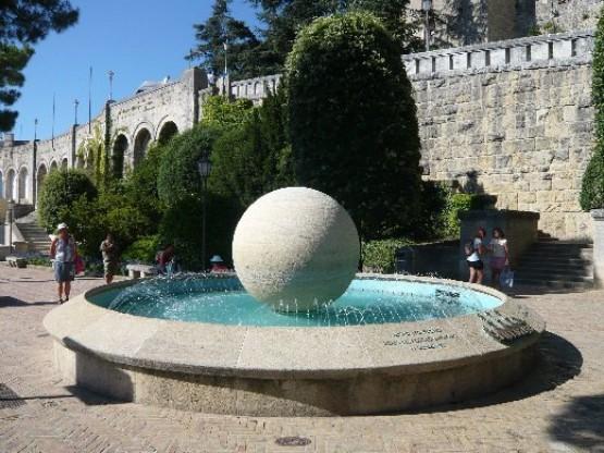 Fontana Al Giardino Dei Liburni
