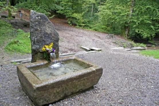 Glasbrunnen 1